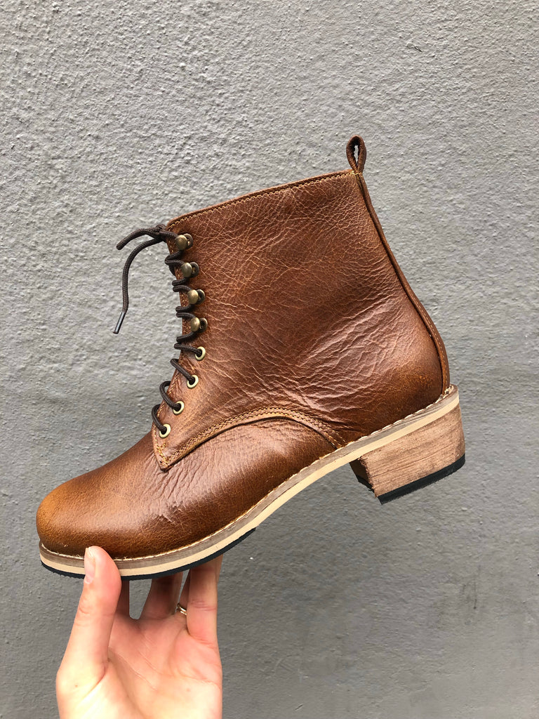 Babara Boot Brown