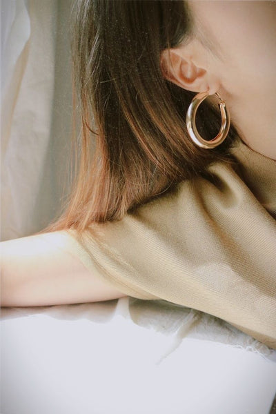 Gold oversized thick hoop