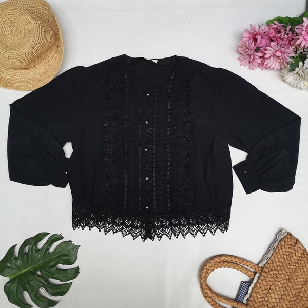 Black vintage blouse with lace