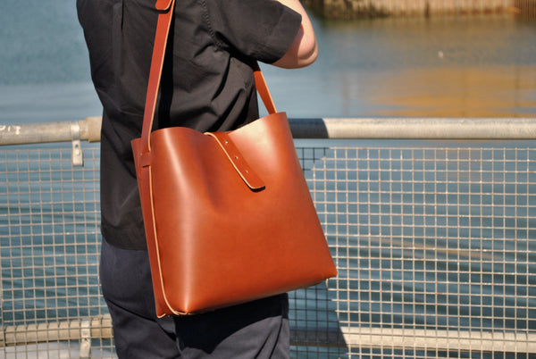 Cedar Leather Tote in Whisky