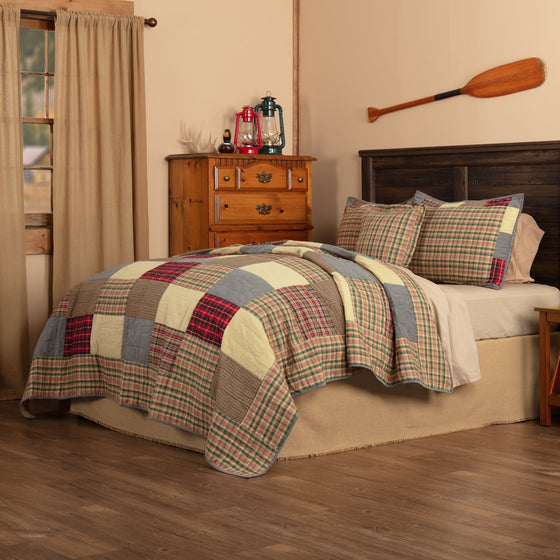 Rustic Plaid Patch Quilt Set