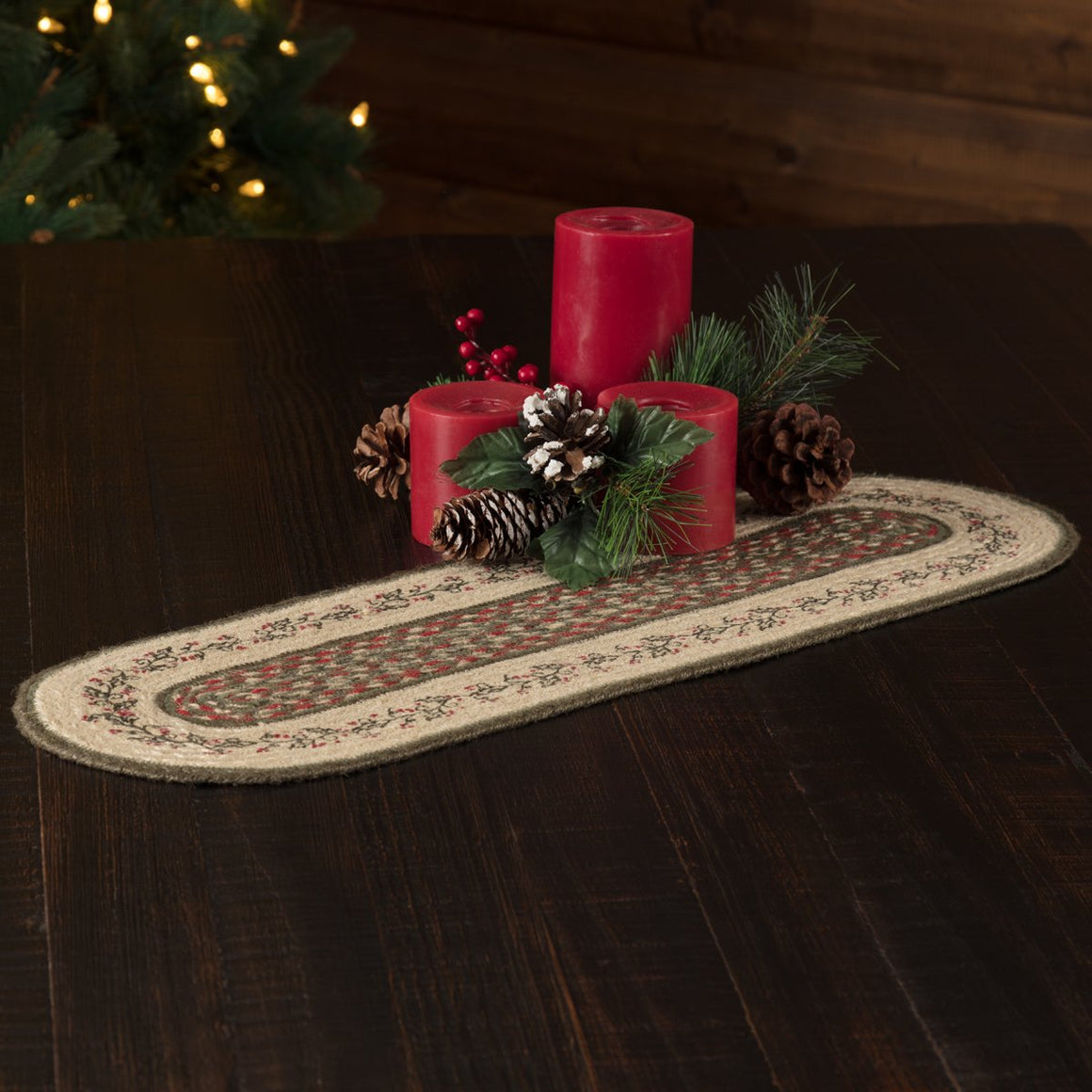 Holly Berry Jute Stenciled Oval Runner