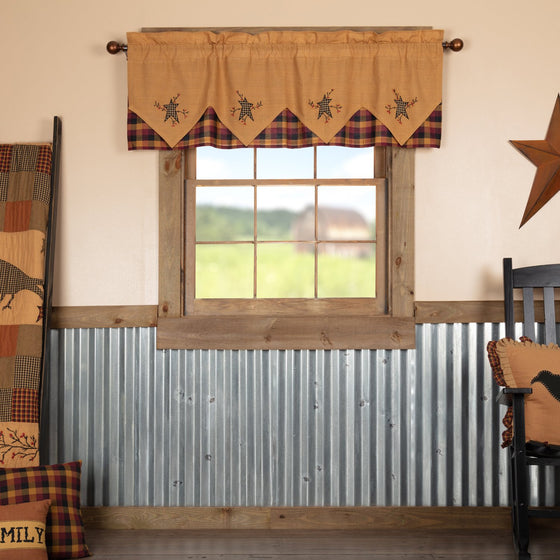 Heritage Farms Primitive Star and Pip Valance Layered