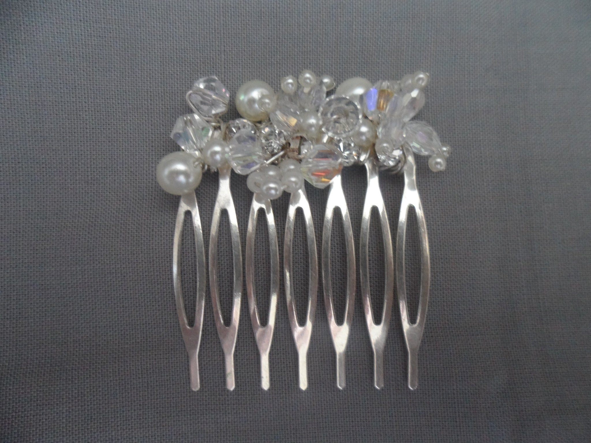 Beaded pearl and crystal cluster small comb