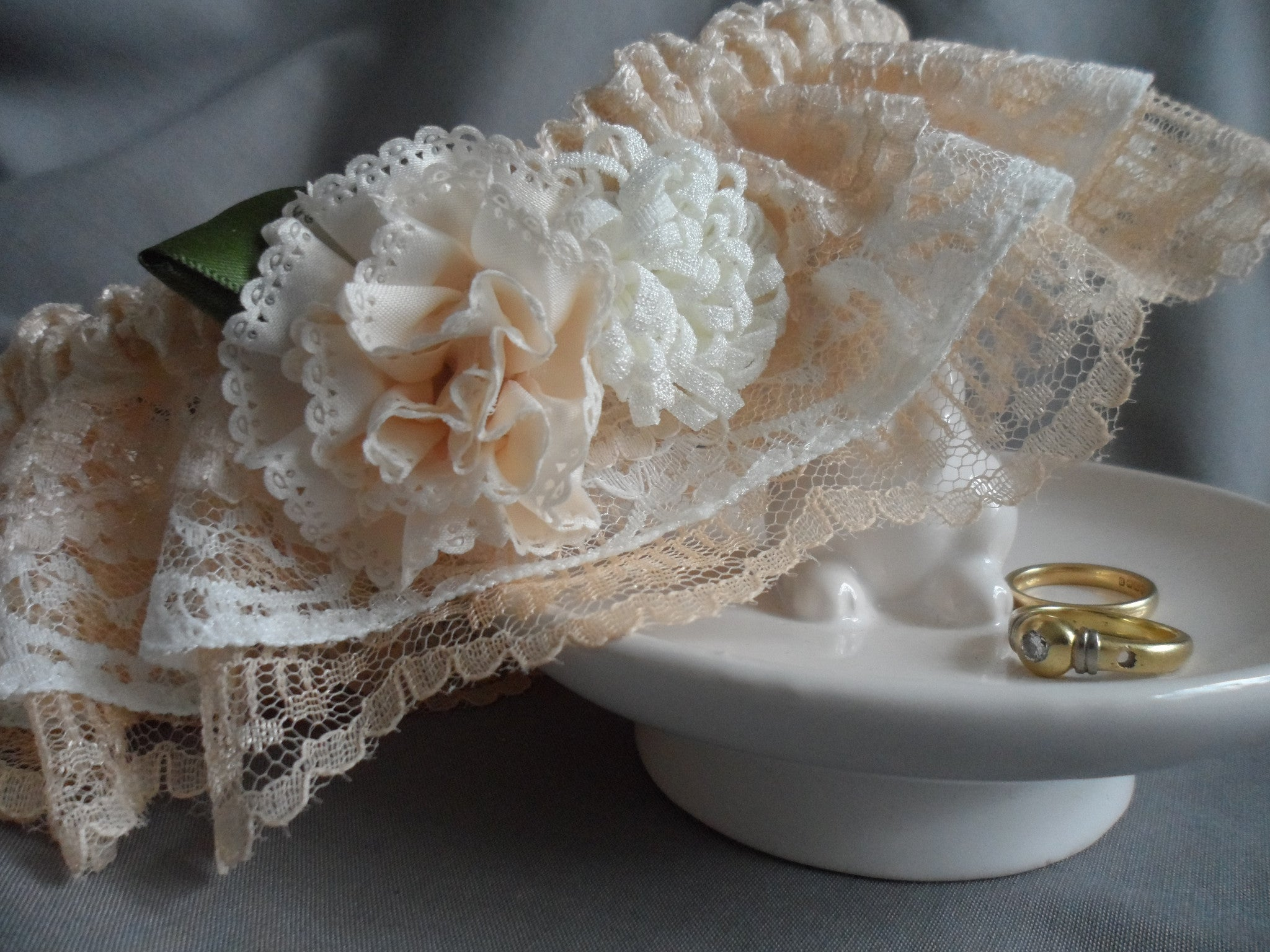 Peaches and cream Lace Garter