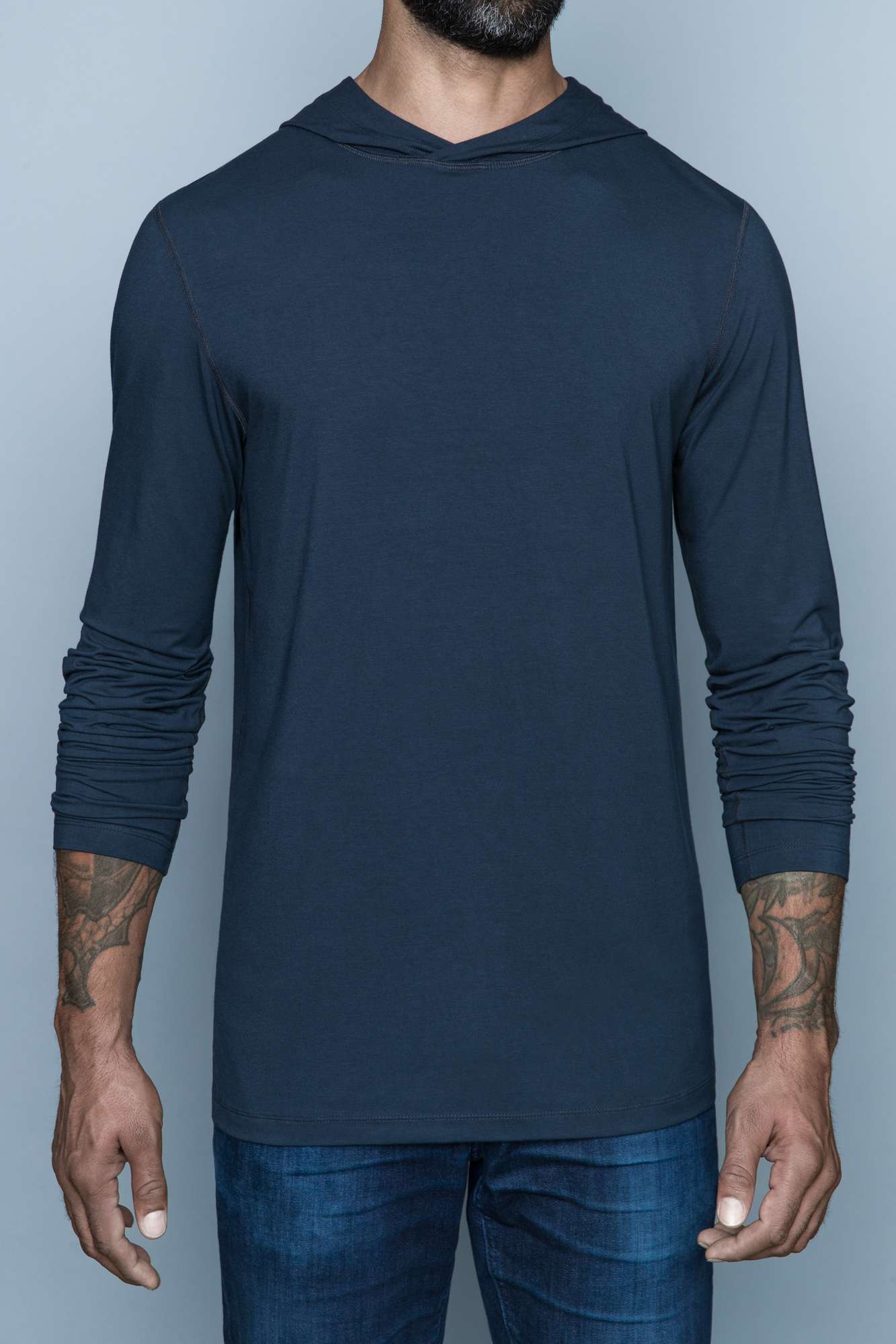 The Navas Lab Vasquez long-sleeve hooded shirt for tall guys in grey. The perfect tall slim shirt for tall and slim guys looking for style and comfort.