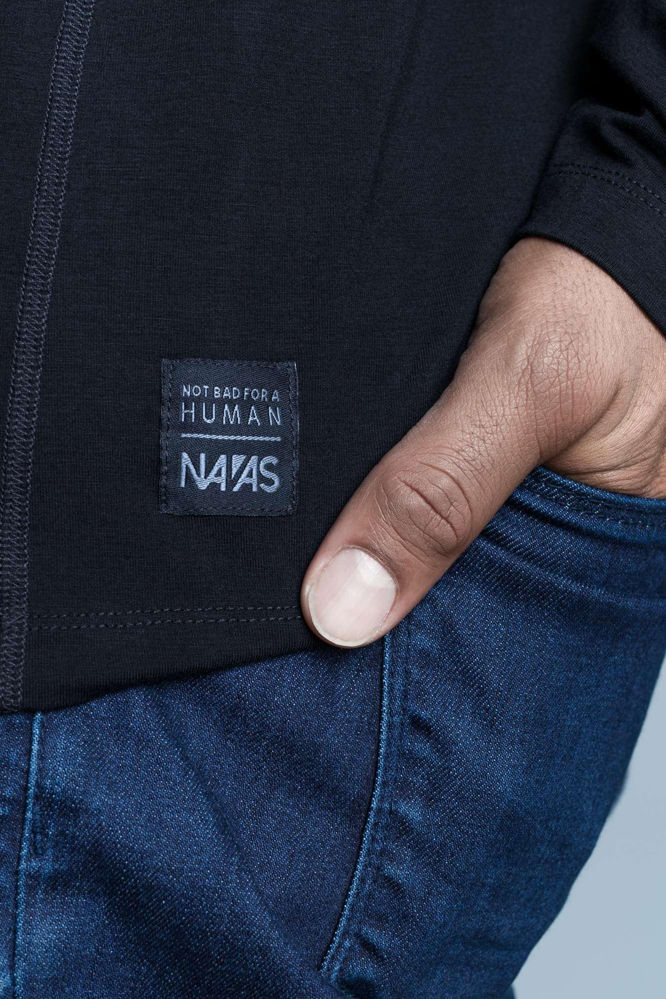 The Navas Lab Vasquez long-sleeve hooded shirt for tall guys in black with woven detail. The perfect tall slim shirt for tall and slim guys looking for style and comfort.