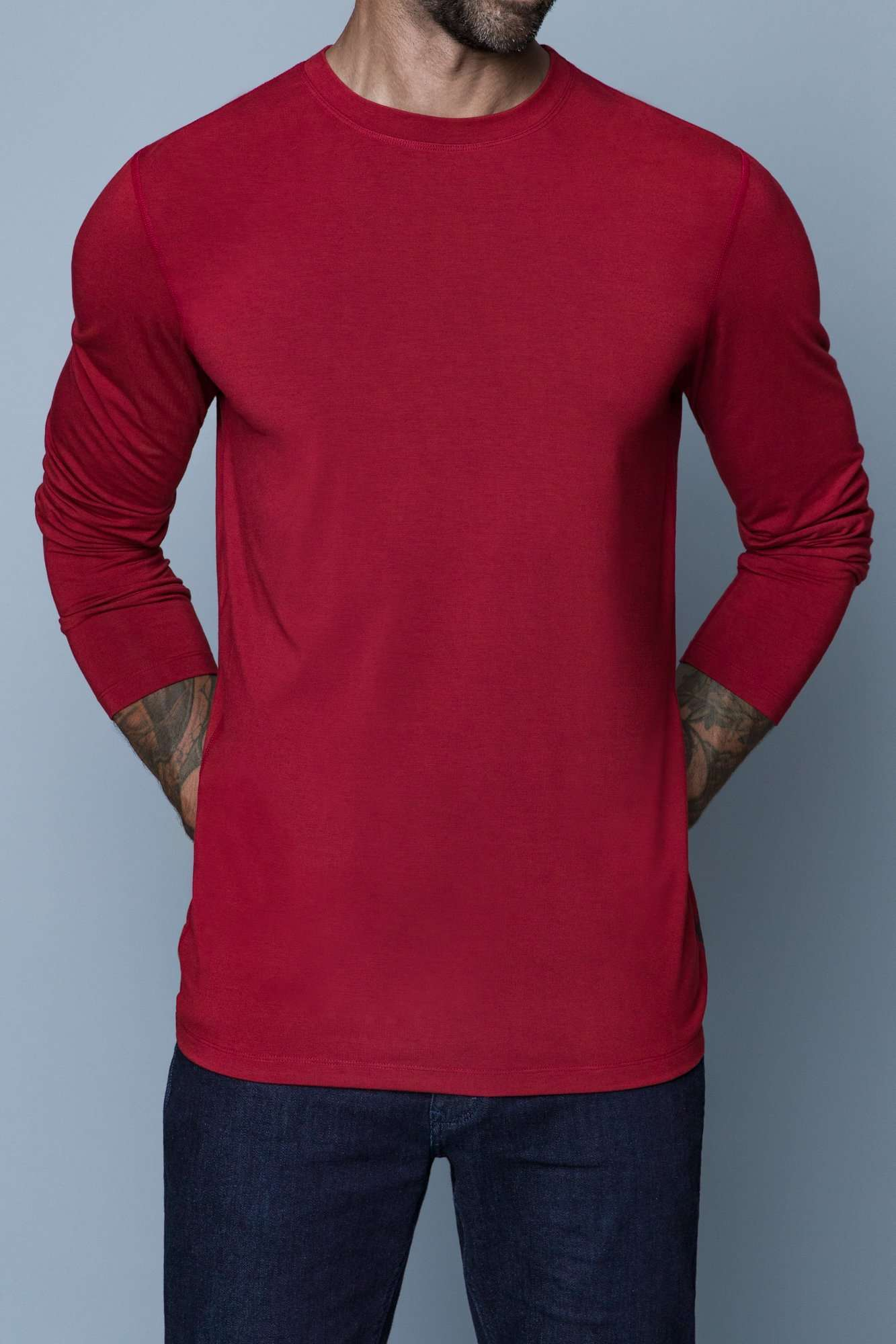 The Navas Lab Mac long-sleeve shirt for tall guys in red. The perfect tall slim shirt for tall and slim guys looking for style and comfort.