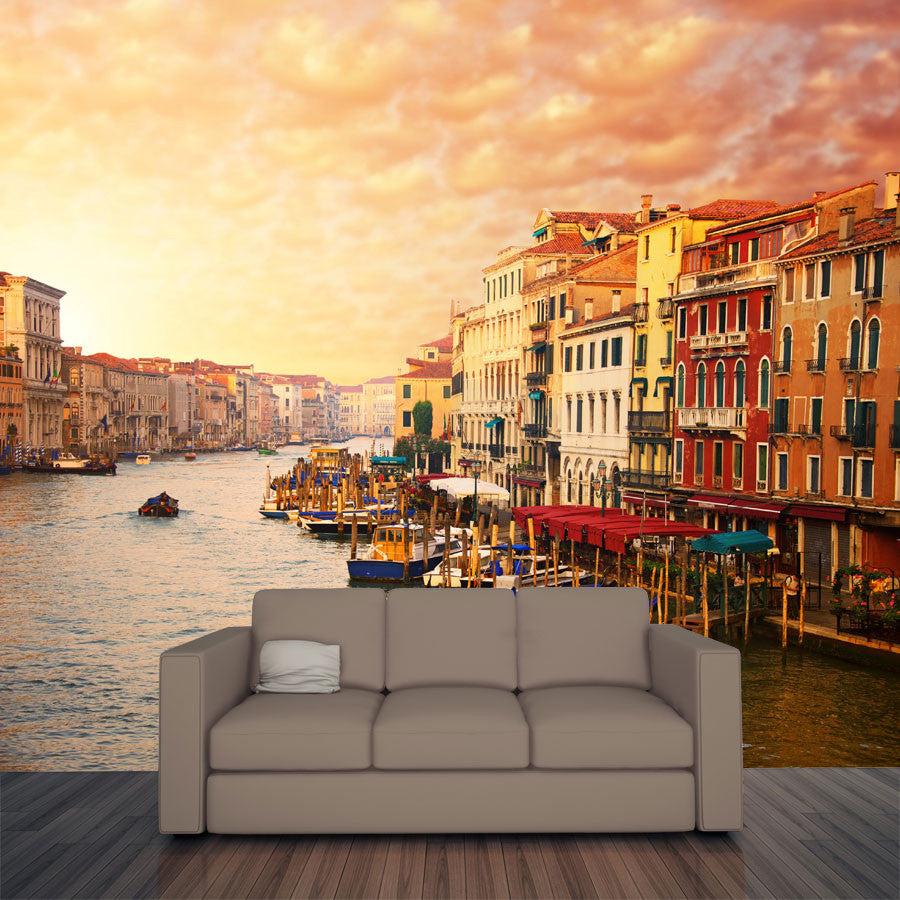 Beautiful venice canal view wall mural majestic wall art for Canal fluminense mural