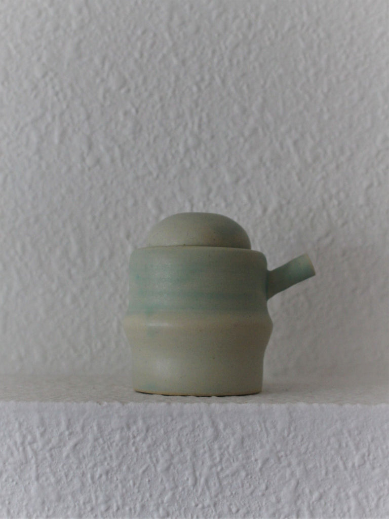 Ceramic Pour Soft Green