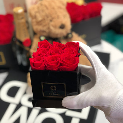 ACRYLIC BOX : Mini Roses
