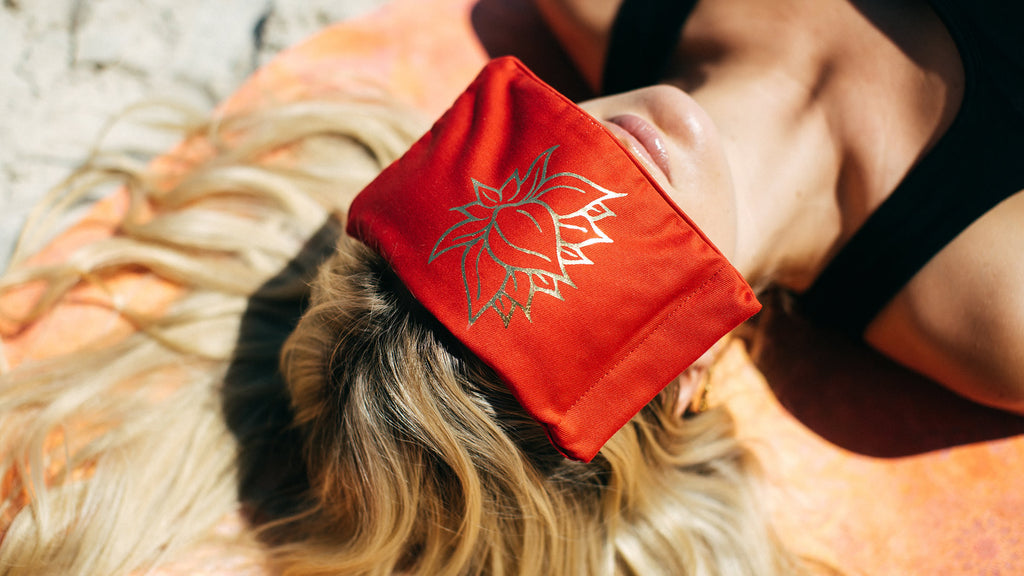 Eye pillow, your essential yoga accessory