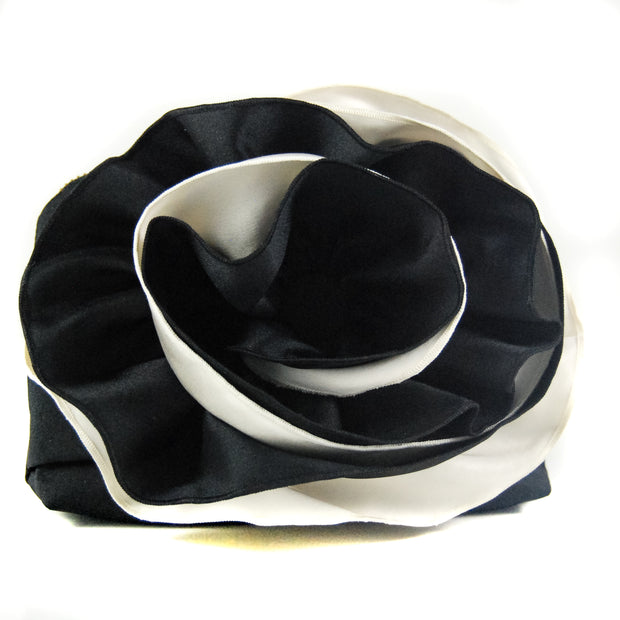 PULSETA BLACK & WHITE DOUBLE ROSE