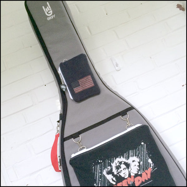 Acoustic GiGY™ case with Custom T-shirt Potes and coordinating Handle