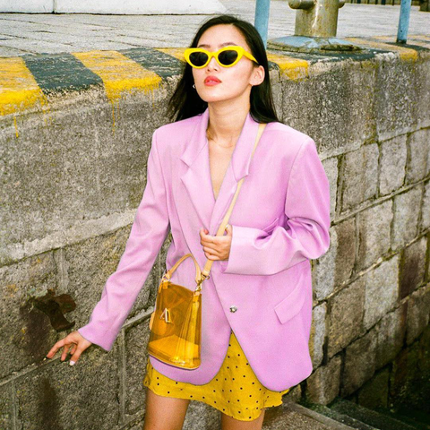 esemble seen on Clair collection bell shoulder bag in pvc-yellow Yen Wong Woaw_09072018