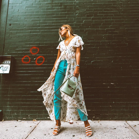 esemble seen on Caitlyn Warakomski of How Do You Wear That SS17 Bell Shoulder Bag in Seafoam_31072018
