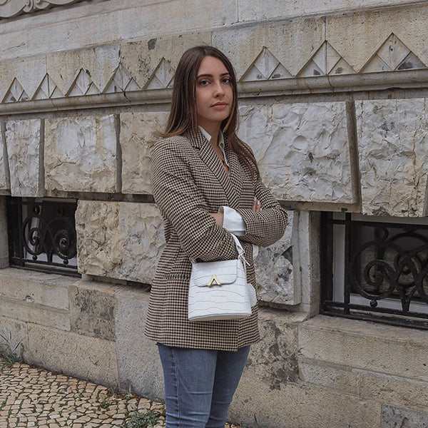 esemble_seen_on_Jessica_Viana_AW19_Mini_Bell_Shoulder_Bag_White_Croc_Embossed_15112019