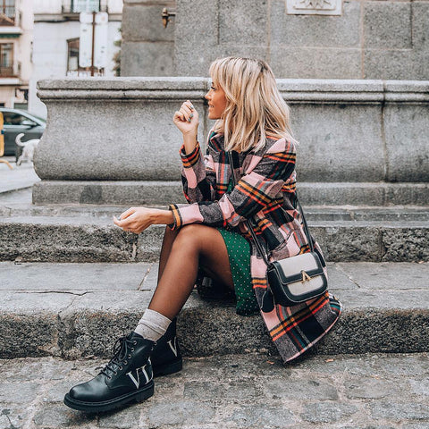 esemble seen on Megan Mitchell of Styled Avenue AW18 Park Shoulder Bag in Canvas-Black_10112018