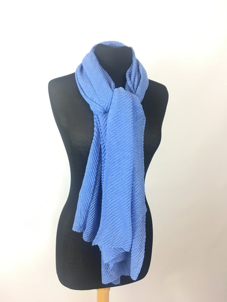 Textured bubble wrap scarf shades of blue - AlSundus