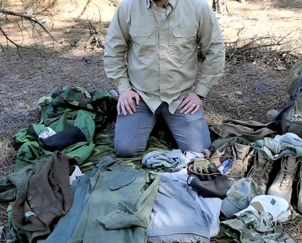 What Type of Survival Clothing Should I Pack?