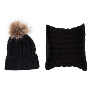 Andy Beanie and Scarf Set by Elsewhereshop