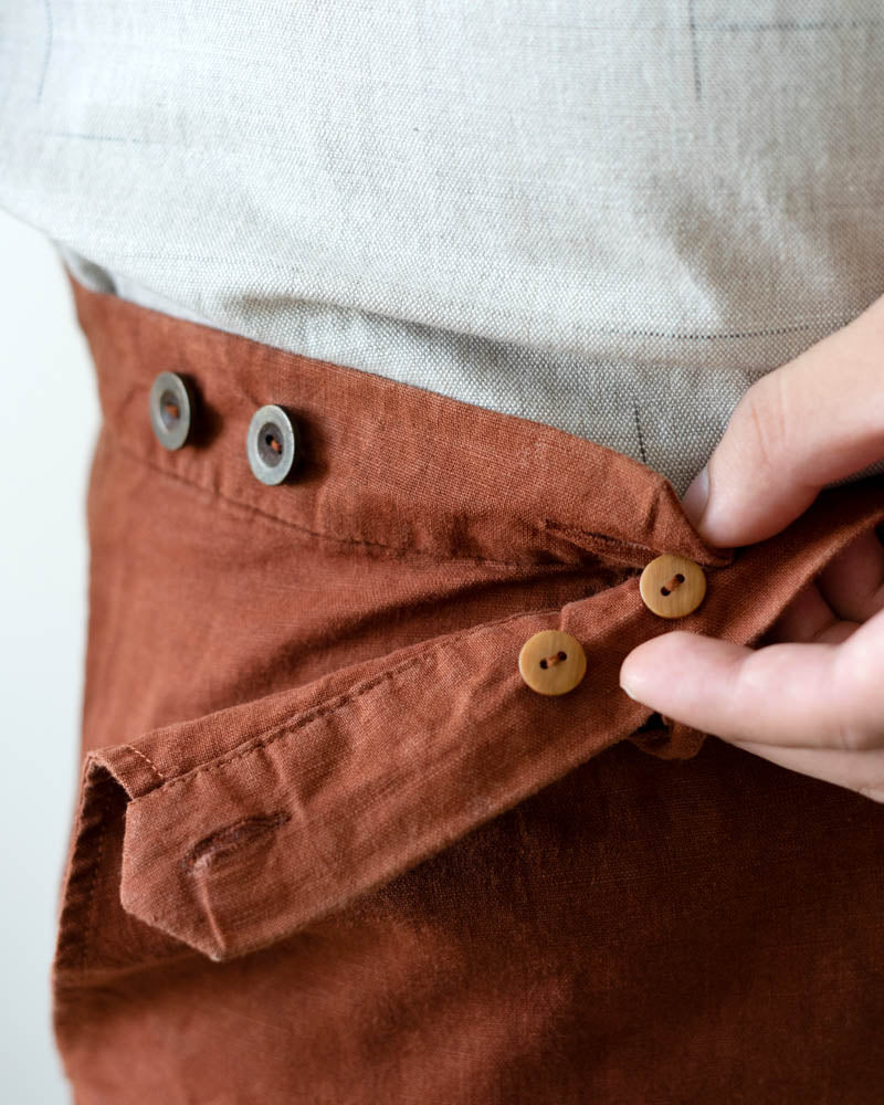 WULUH - Linen Shorts in Deep Ochre