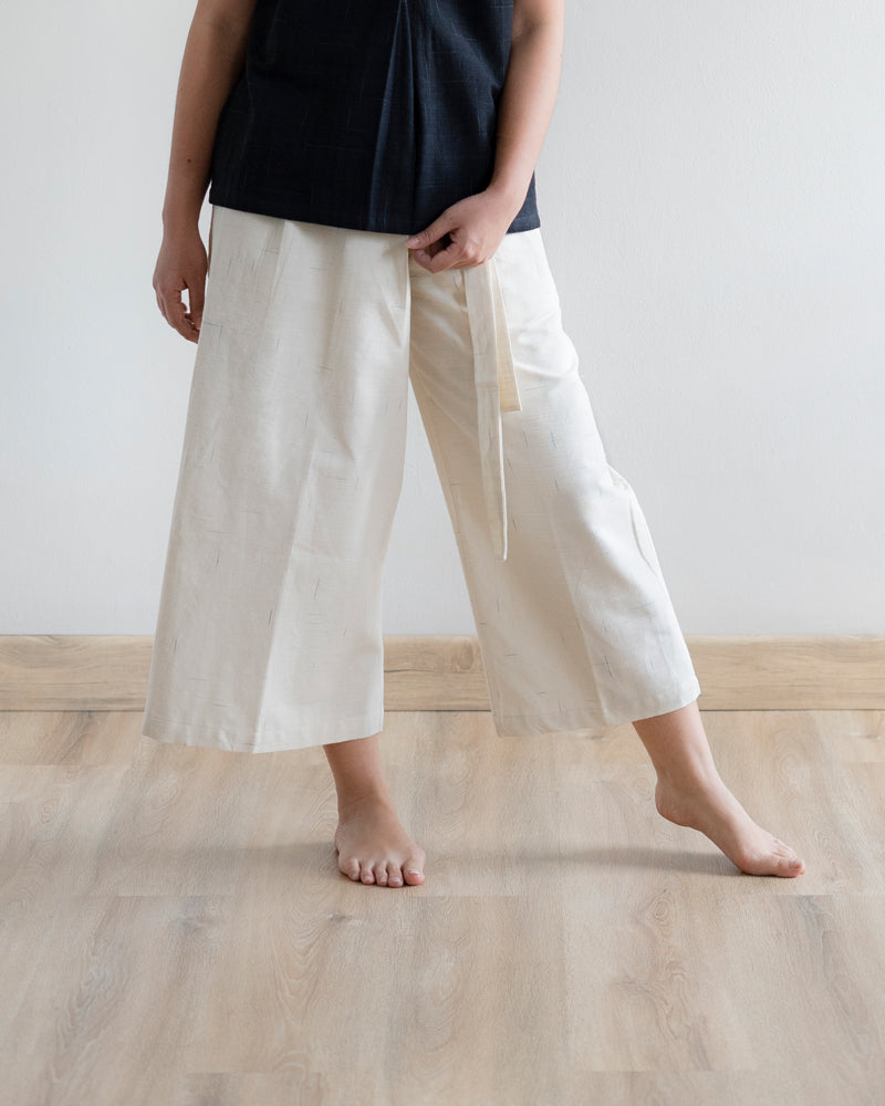 ESSENTIALS - Wideleg Crop Pants