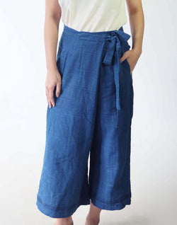 TRUE INDIGO - Wide Legged Crop Pants