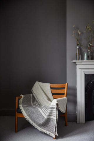 Natural blanket, Farrow & Ball Moles Breath walls