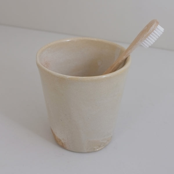 ceramic toothbrush holder with eco toothbrush
