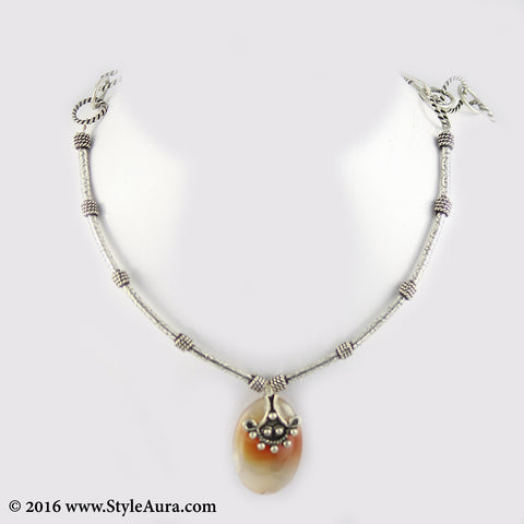 Delicate Silver delicate Hasli with small Amber pendent 1