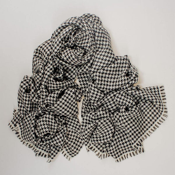 Black and White Houndstooth Cashmere Ring Shawl