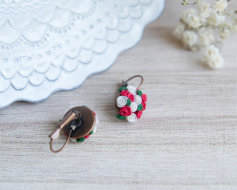 Red an white roses earrings
