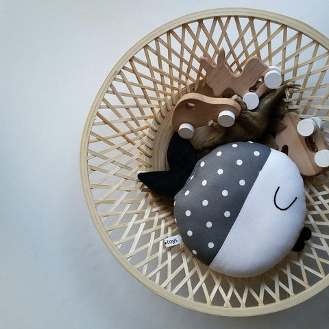 Pinch Toys Cotton Fish Wanda in Grey