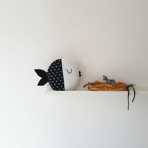 Pinch Toys cotten fish Wanda in Black