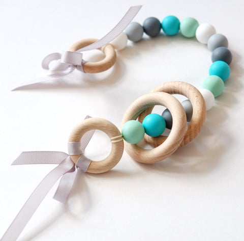 Blossom & Bear - Wooden pram chain garland Blush Turquoise/Mint/Grey