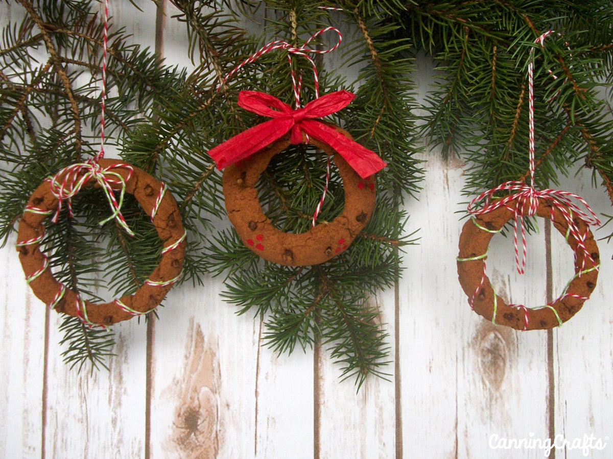Scented Mason Jar Ring Christmas Ornament Tutorial | CanningCrafts.com