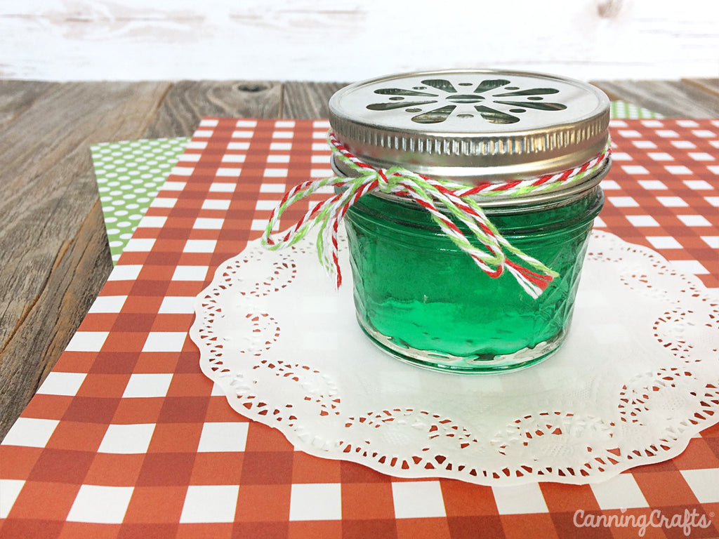 DIY Christmas Gel Air Freshener in a mason jar recipe | CanningCrafts.com