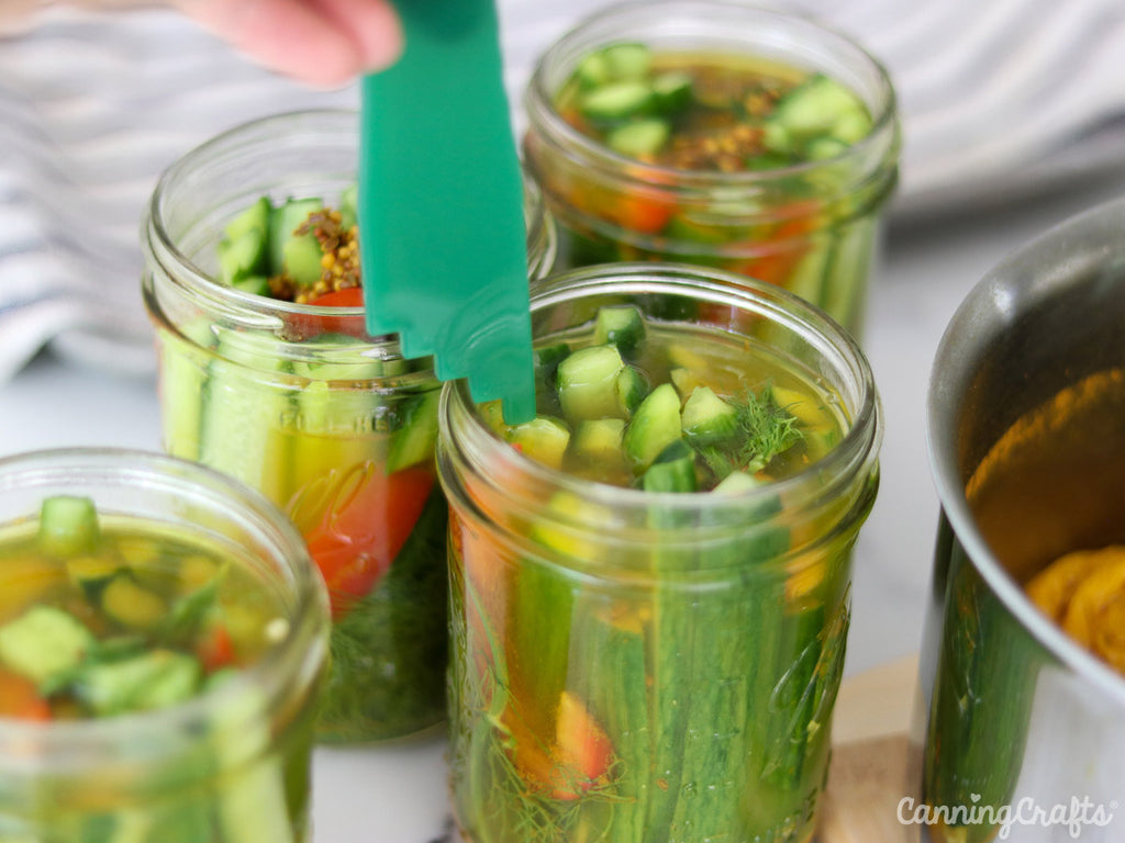Checking Mason Jar Headspace for Crispy Dill Pickles Canning Recipe | CanningCrafts.com