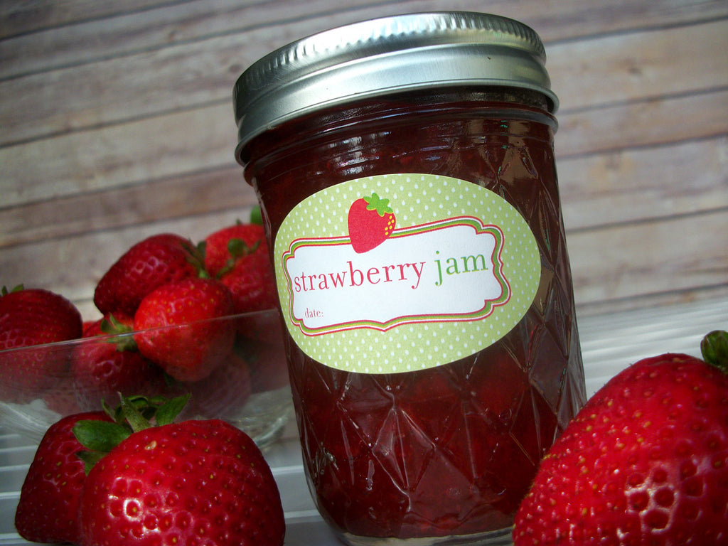 oval strawberry jam canning label for quilted jars | CanningCrafts.com