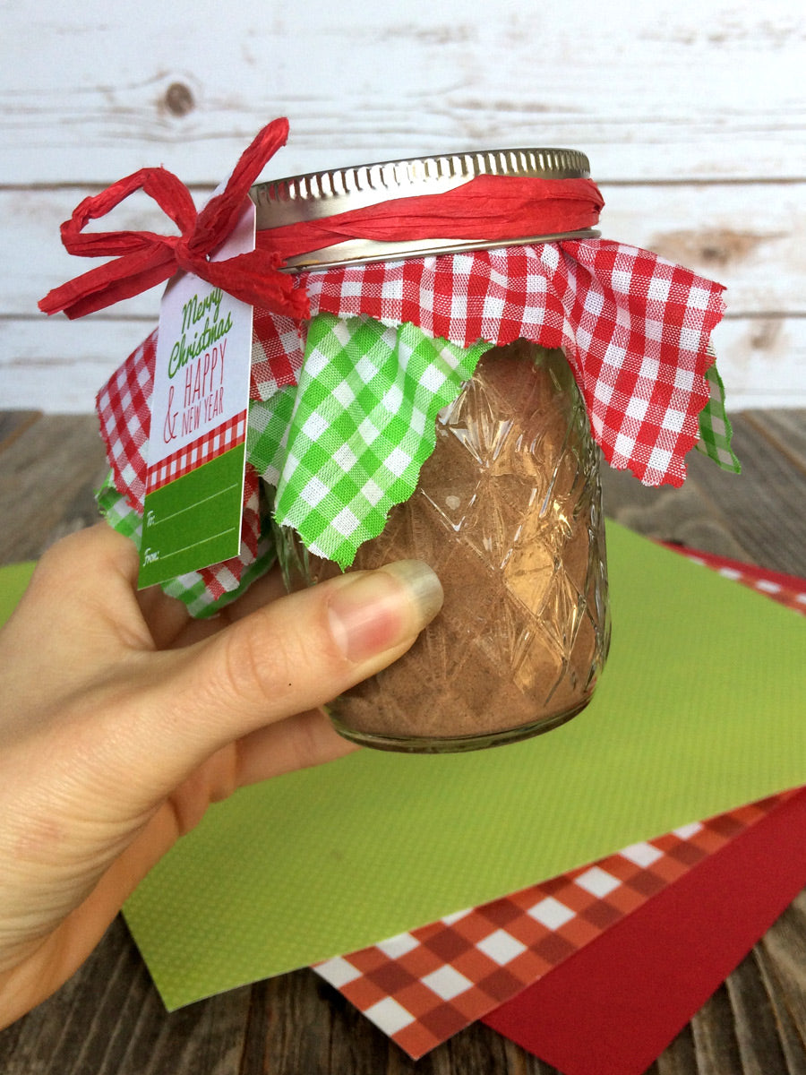 Christmas Gingham Jam Jar Covers & hang tags | CanningCrafts.com