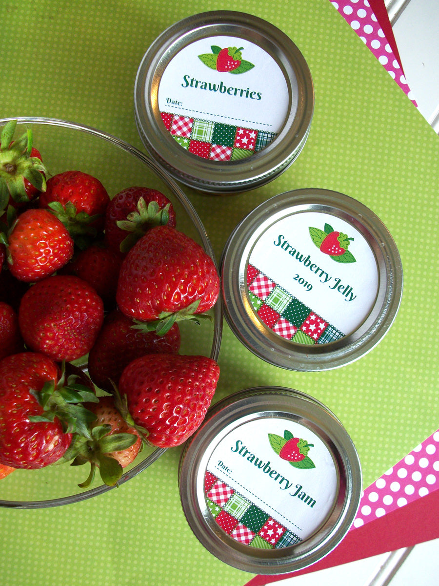 Country Quilt Strawberry Mason Jar Labels | CanningCrafts.com