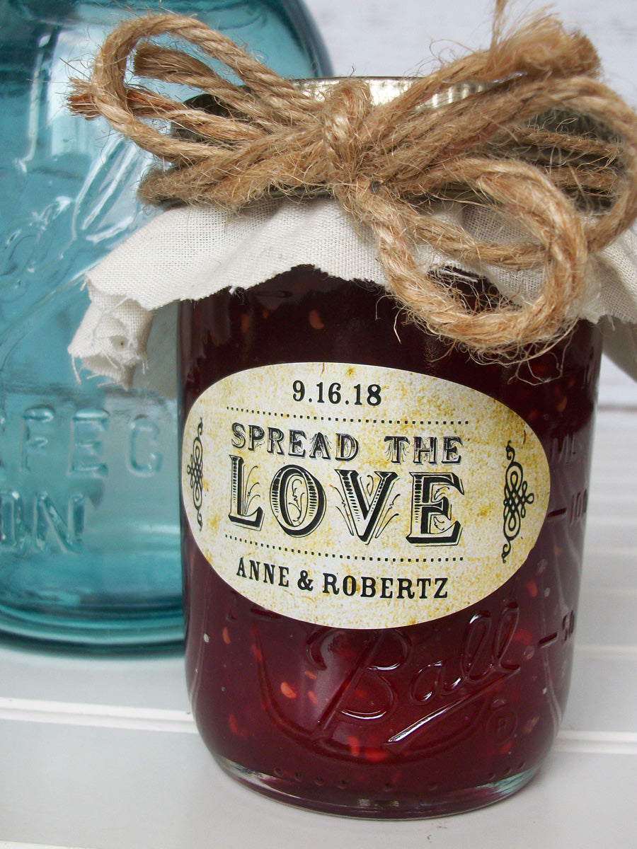 Vintage Oval Spread the Love wedding jam jar favor labels | CanningCrafts.com