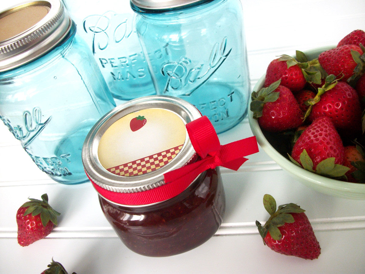 Country Strawberry Jam Canning Labels | CanningCrafts.com