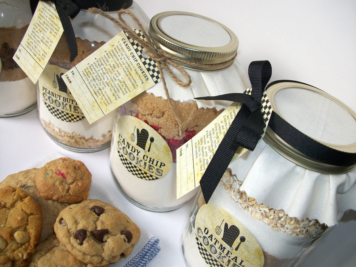 Chocolate Chip, Candy Chip, Peanut Butter, Oatmeal Cookie Mix in a Mason Kits | CanningCrafts.com