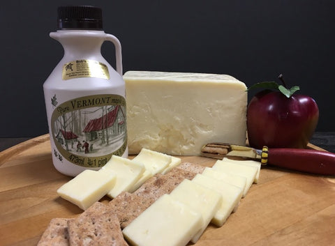 Vermont Cheese & Syrup Gift Pack