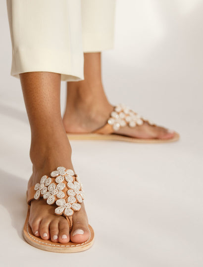 Cooper Flat Leather Sandal Snow White