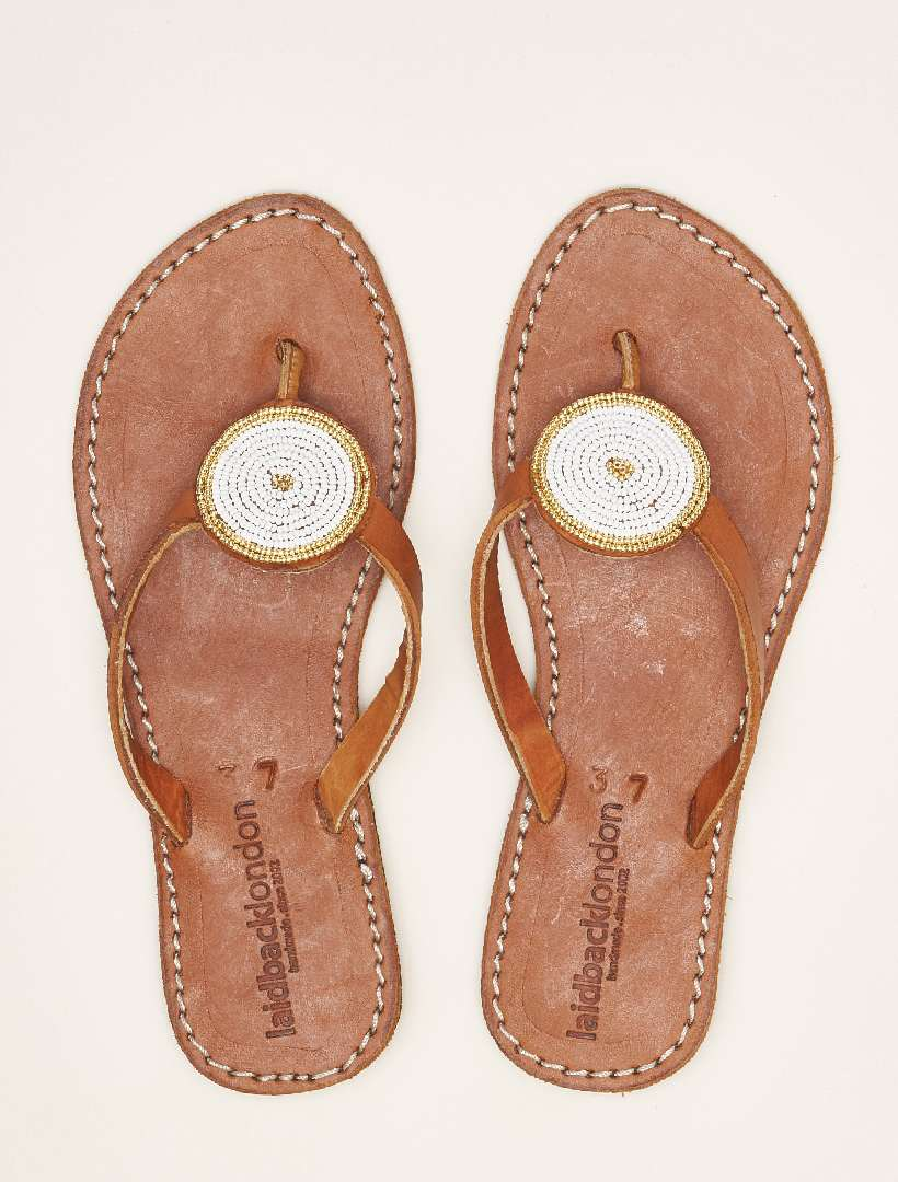 Doli Flat Mid Brown Metal Gold/White