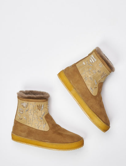 Raigan Meadow Back Zip Ankle Boot Camel Suede