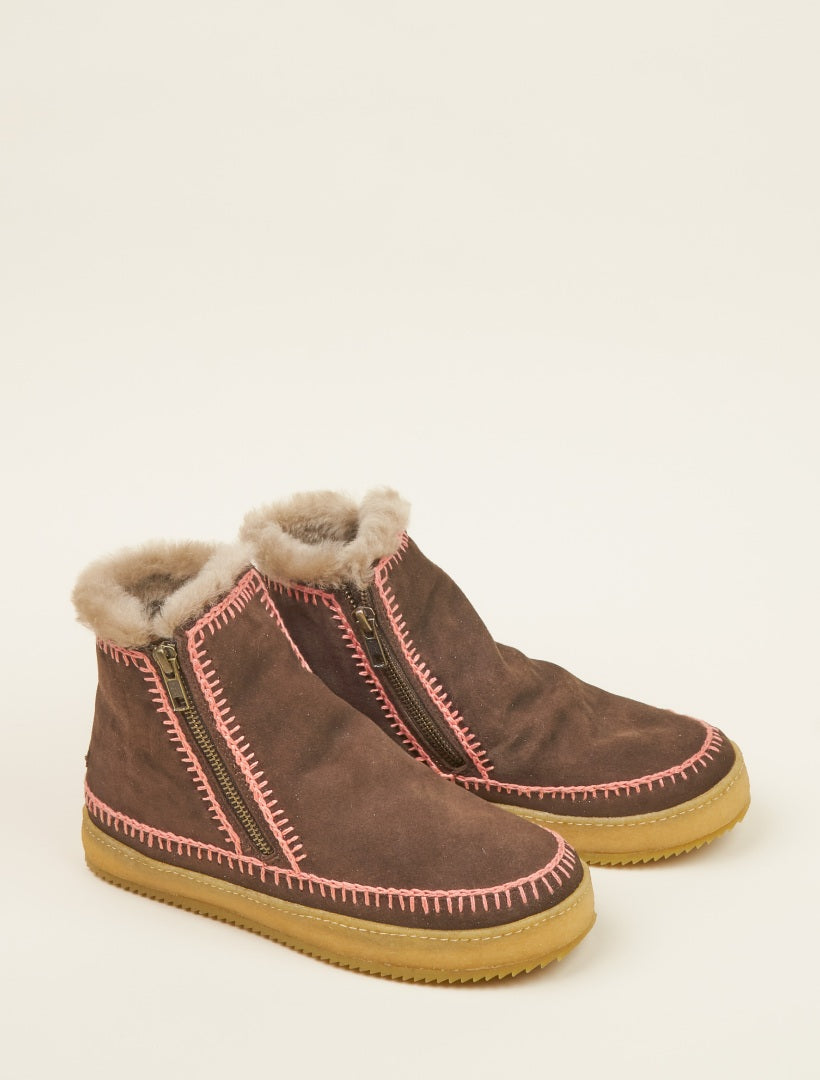 Setsu Crochet Side Zip Ankle Boot Choc Suede